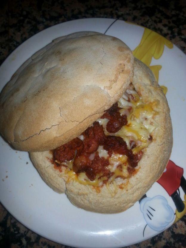 Receta bocadillo moreno con chorizo y queso