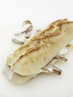 Baguetina rustica con lomo al roquefort